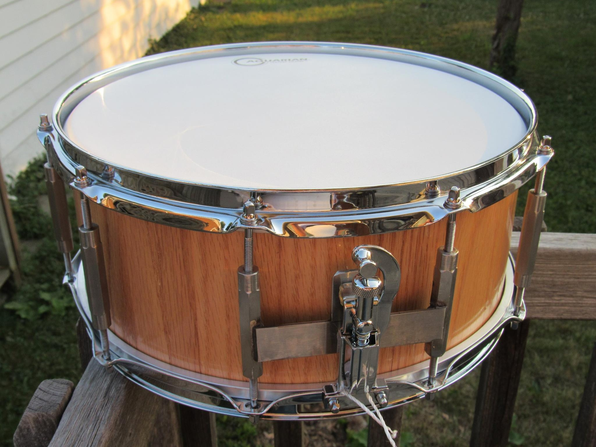 Great sounding floating snare drums!